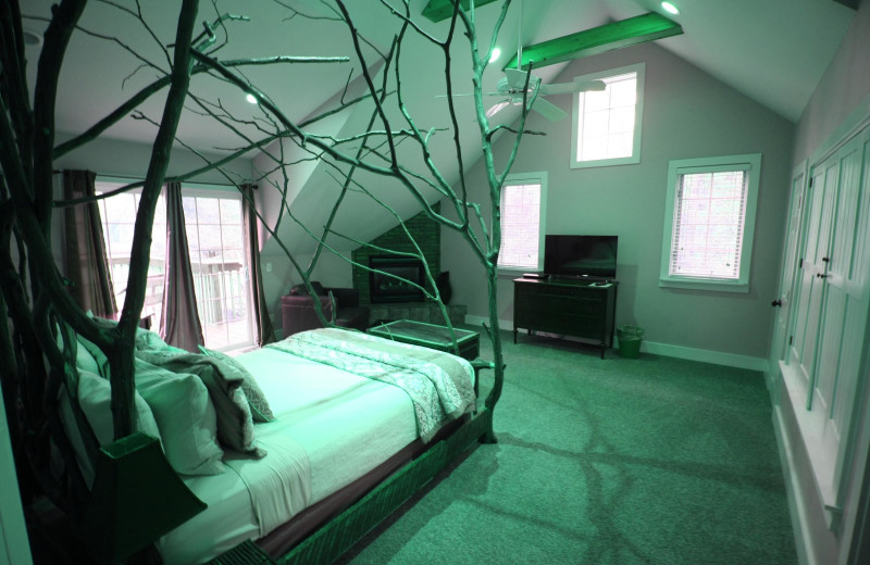 Guest room at Goldberry Inn