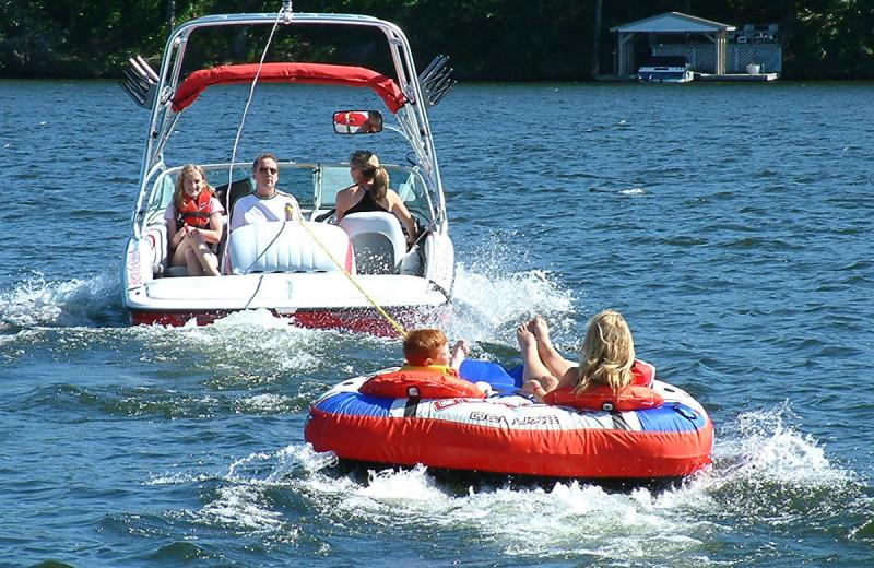 Boating at Deerstalker Resort.
