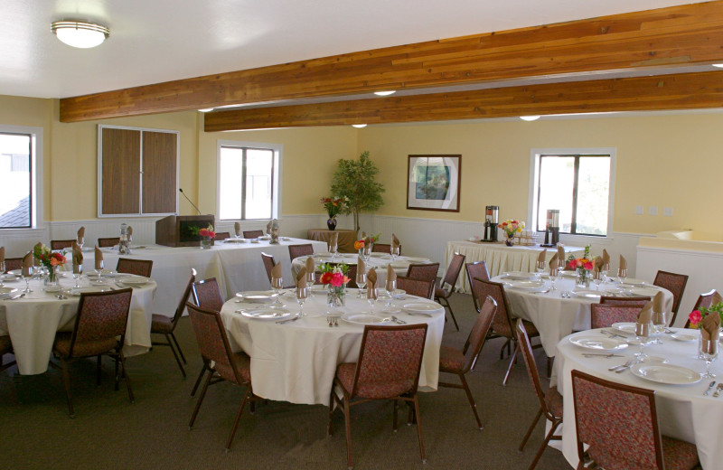 Conference Room at Pismo Lighthouse Suites