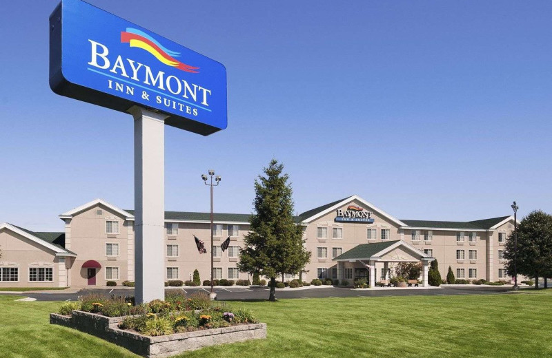 Exterior view of Baymont Inn and Suites Mackinaw City.