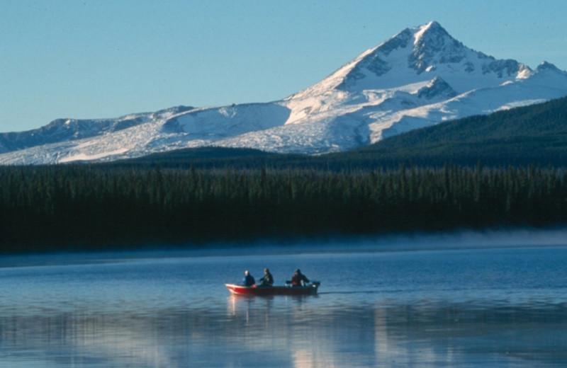 Boating at Chaunigan Lake Lodge.