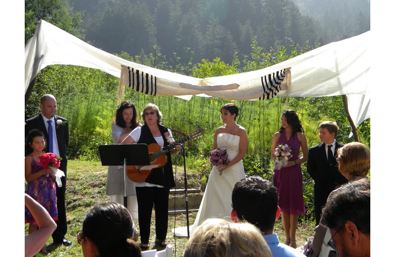 Weddings at Highland Dell Lodge.