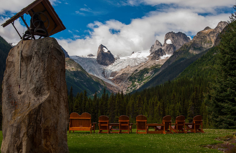 Lawn chairs at Bugaboos Lodge.
