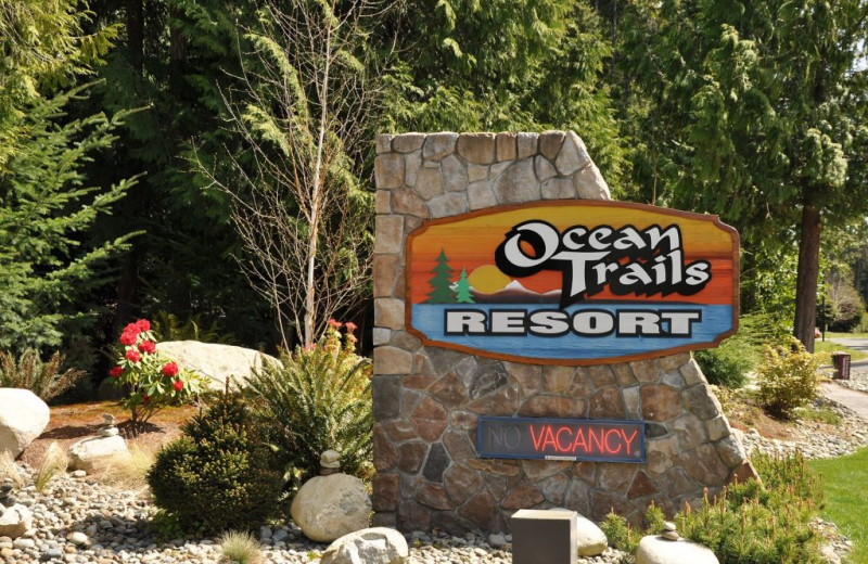 Welcome sign for Ocean Trails Resort.