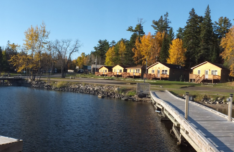 Exterior view of Voyageur's Sunrise Resort.