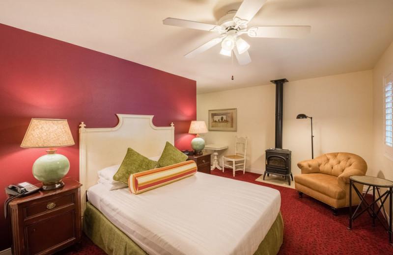 Guest room at EuroSpa & Inn