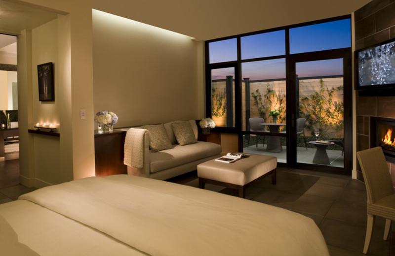 Guest room at Bardessono.