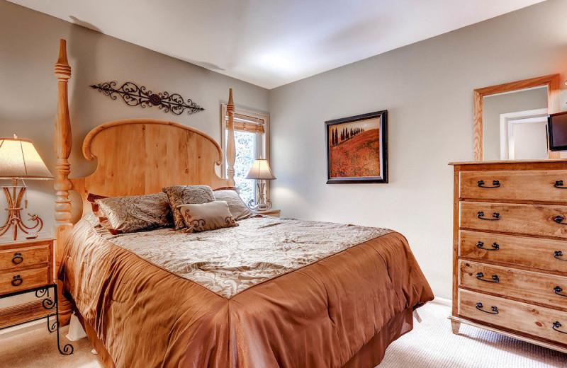 Rental bedroom at Wildwood Suites.