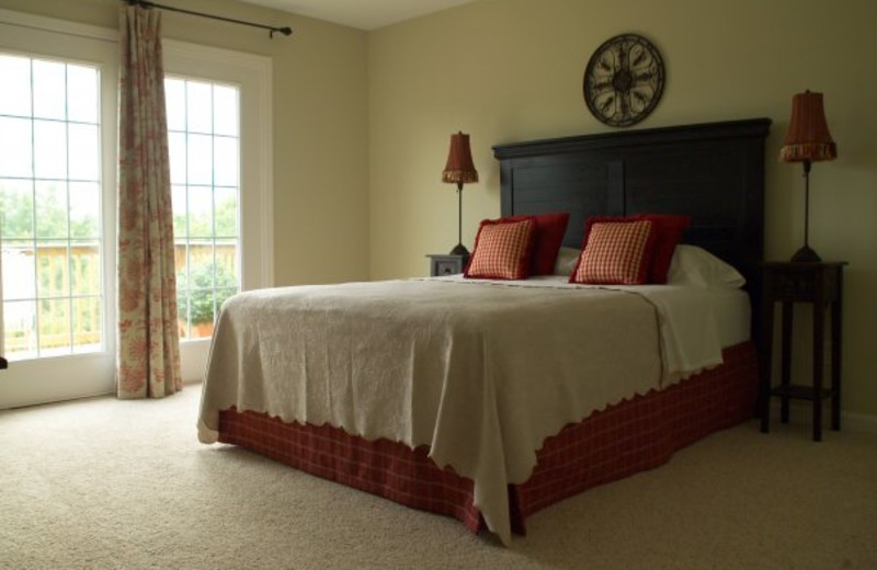 Guest bedroom at Edgewater Resort at Taylorsville Lake.