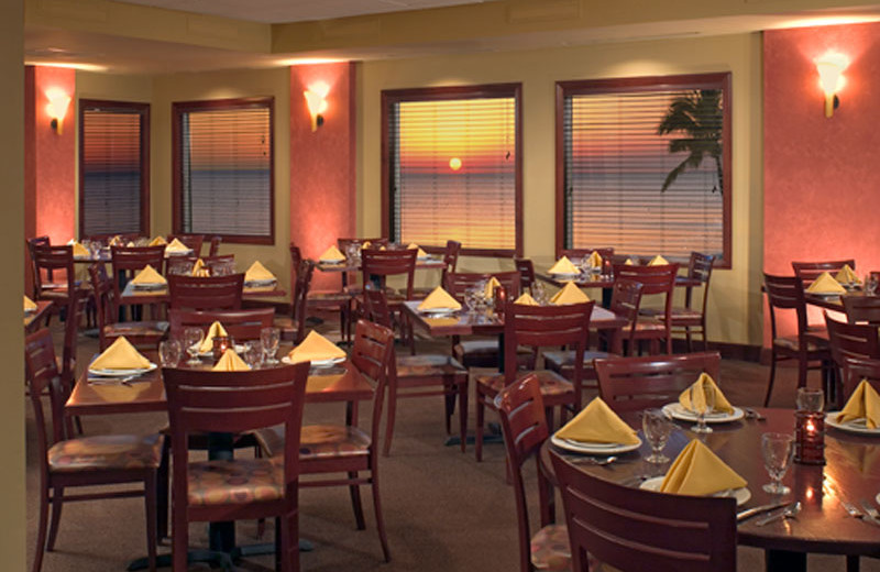 Fine Dining at DiamondHead Beach Resort