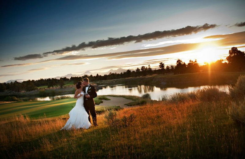 Wedding couple in the Fairway at Pronghorn Resort.