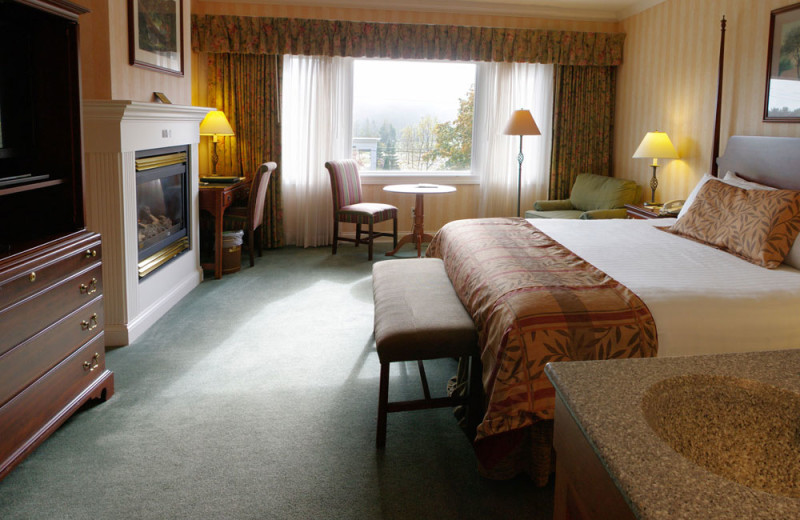 Guest room at Stoweflake Mountain Resort & Spa.