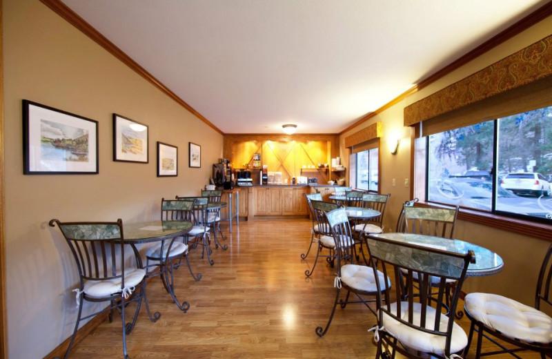 Dining room at Obertal Inn.
