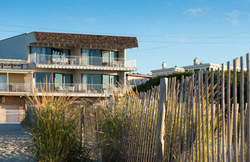 Exterior View of La Mer Beachfront Inn