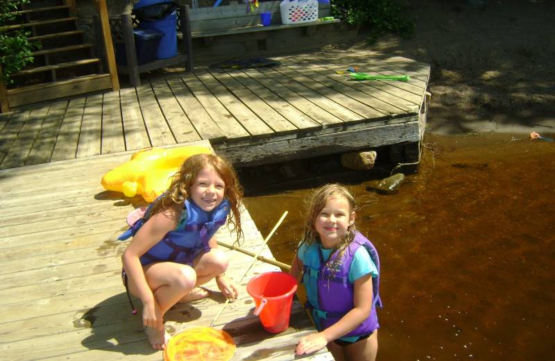 Playing on the dock at Timber Bay Lodge & Houseboats.