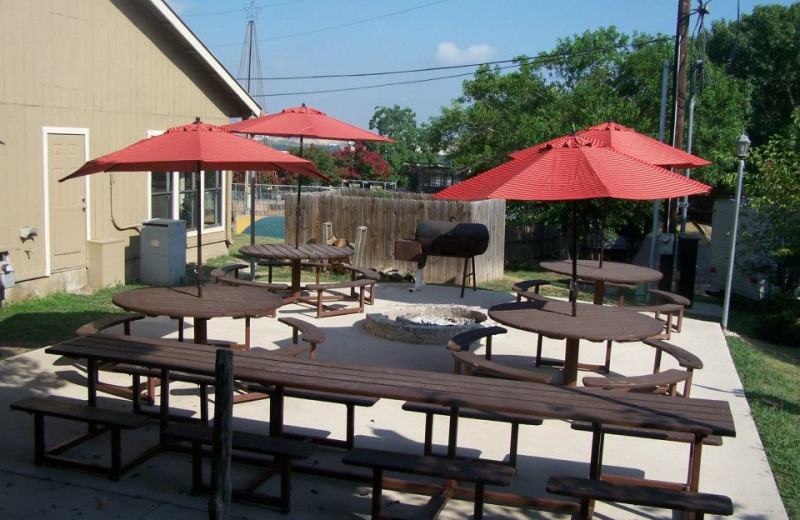 Picnic area at Hill Country RV Resort & Cottage Rentals.