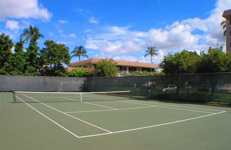 Tennis court at Maui Vacation Rentals.