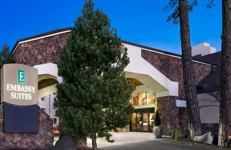 Exterior view of Embassy Suites Flagstaff.