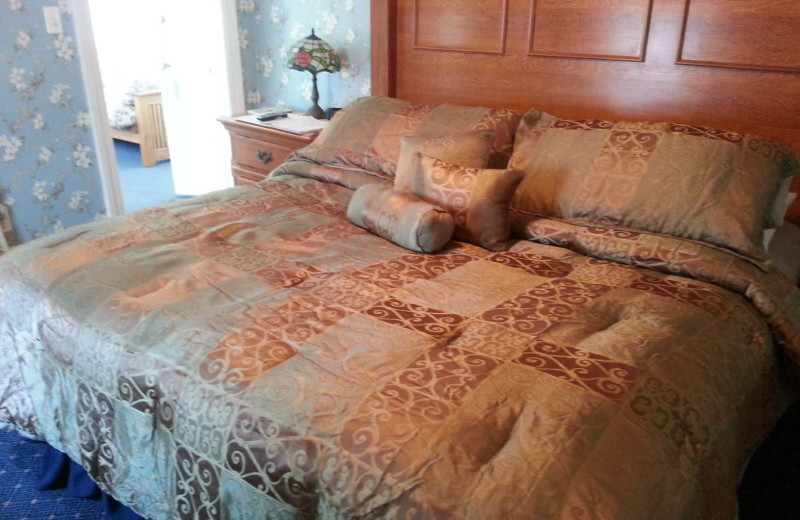 Guest bed at Avon Manor Inn.