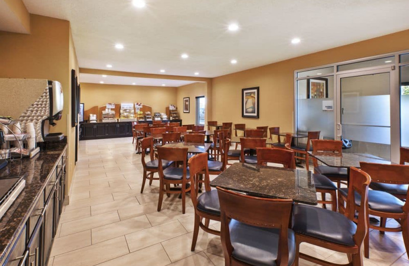 Breakfast at Holiday Inn Express Hotel & Suites - Benton Harbor.