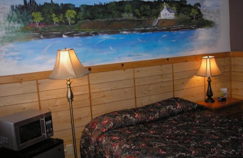 Guest room at Mitchell Creek Inn.