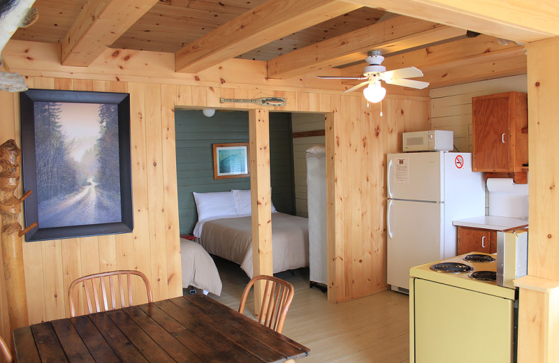Guest room at Mashkinonje Lodge.