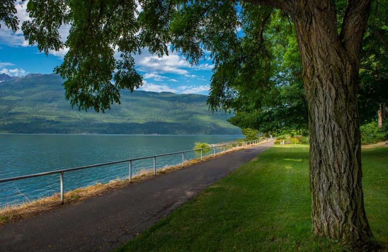 Lake path at The Lodge at Arrow Lakes.