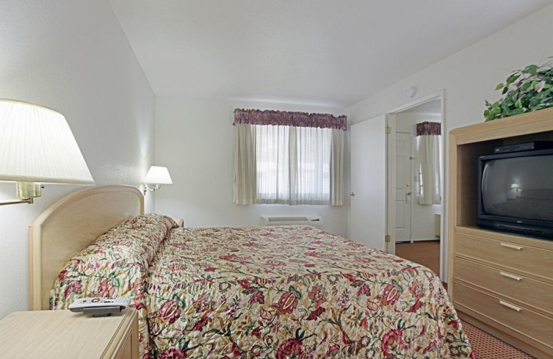 Guest room at Americas Best Value Inn and Suites Clearlake.