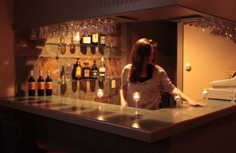 Bar and Lounge at Yankee Inn
