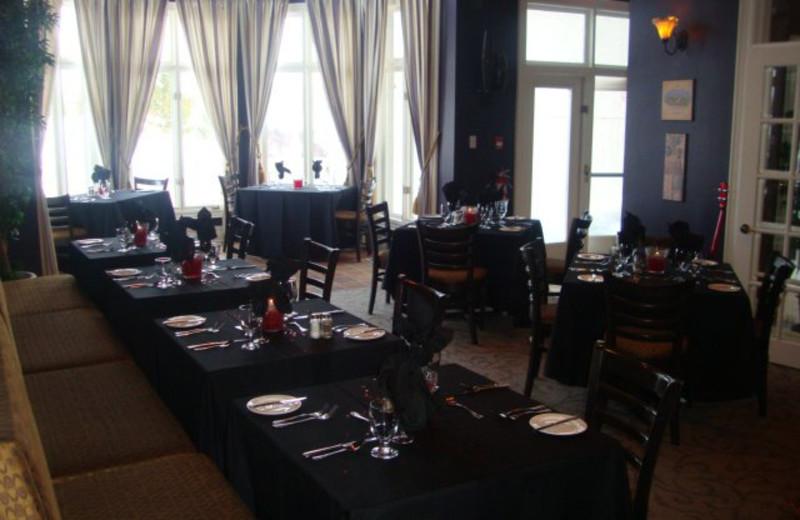 Dining at Sawmill Creek Golf Resort & Spa.