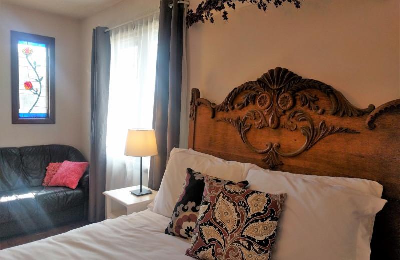 Guest room at Hop & Vine Inn.