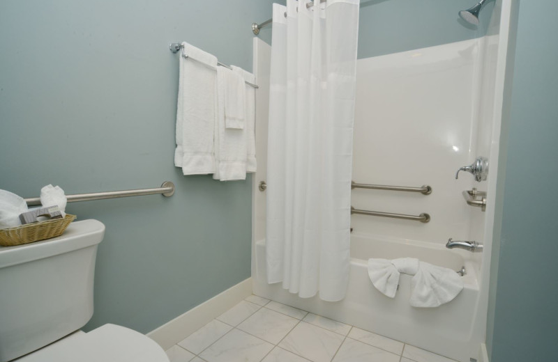 Guest bathroom at Newagen Seaside Inn.