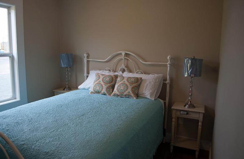 Cabin bedroom at D'Arbonne Pointe.