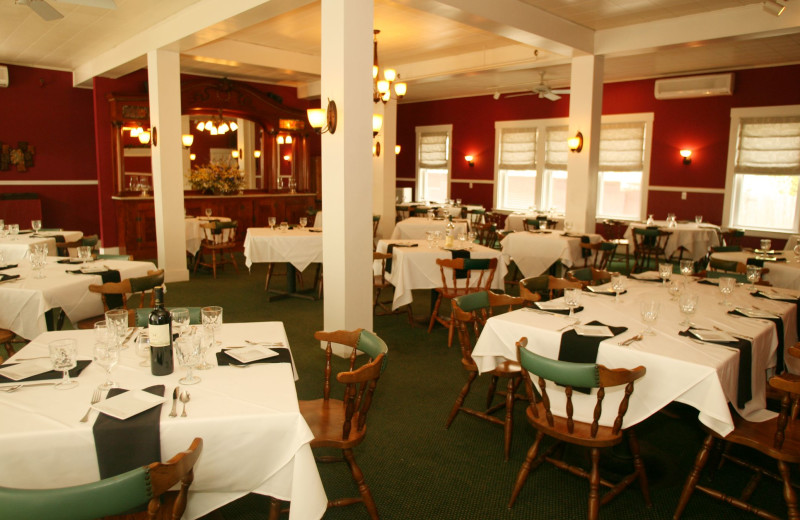 Dining room at the Fullerton Inn.