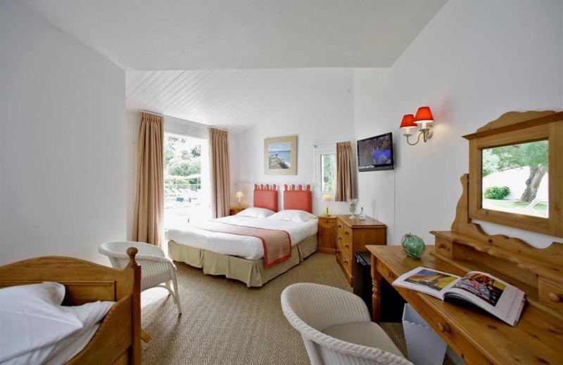 Guest room at Hôtel Fleur de Sel.