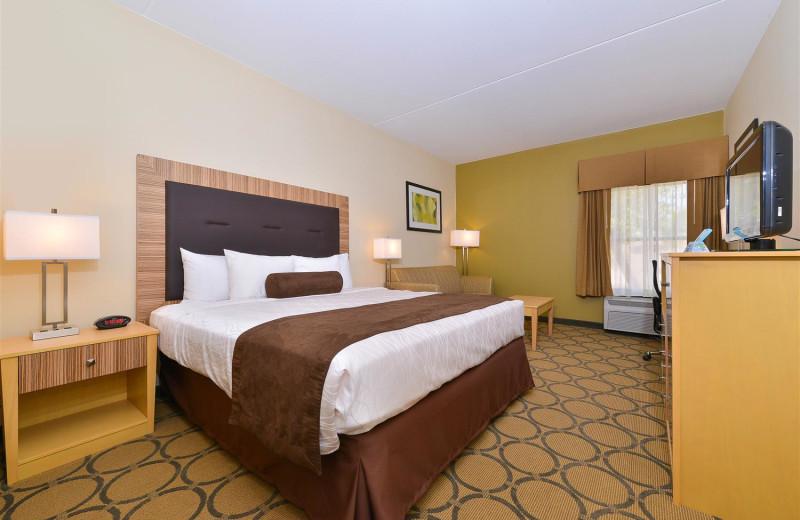 Guest room at Best Western Plus Mesa.