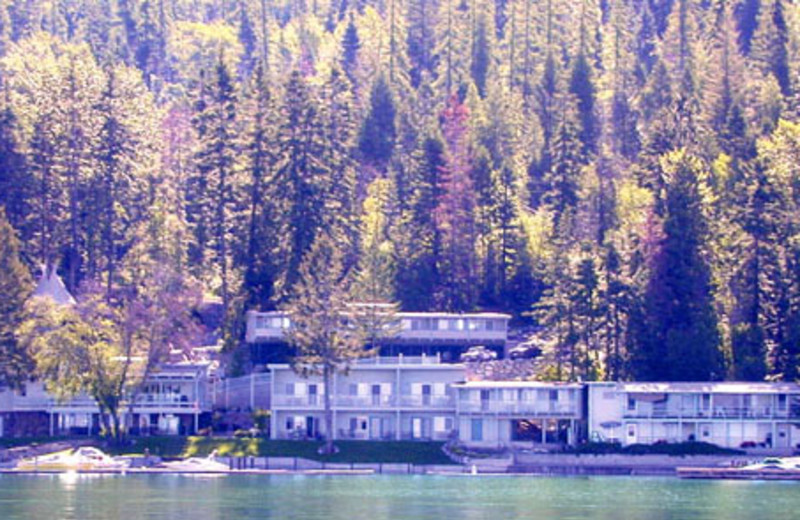 Exterior View of Many Springs Flathead Lake Resort