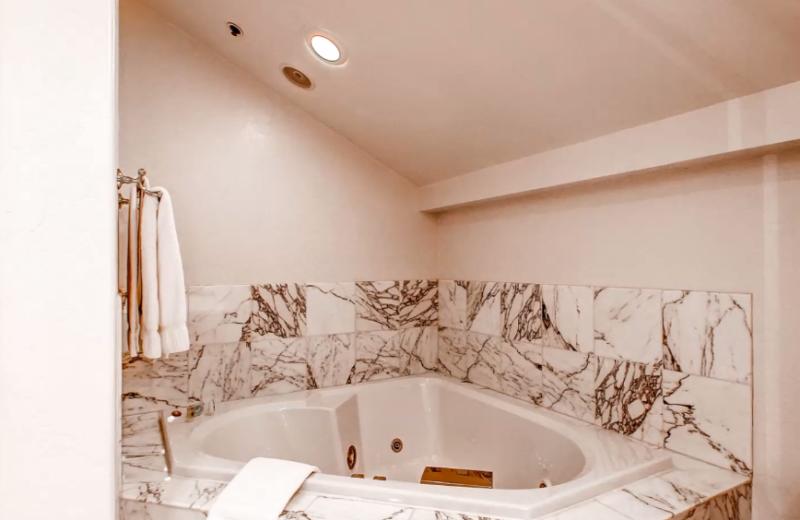 Rental bathroom at The Centennial Lodge.