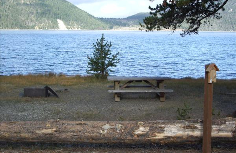 Exterior view of East Lake Resort.
