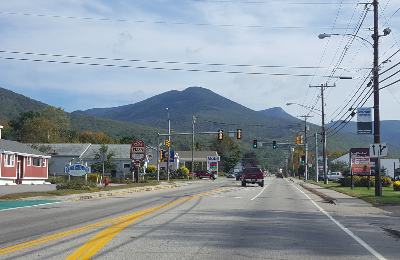 Town near Riverbank Motel & Cabins.