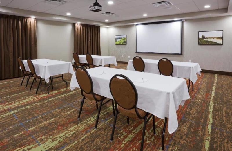 Meeting room at Hampton Inn Minneapolis Bloomington West.