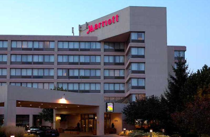 Exterior view of Detroit Marriott Livonia.