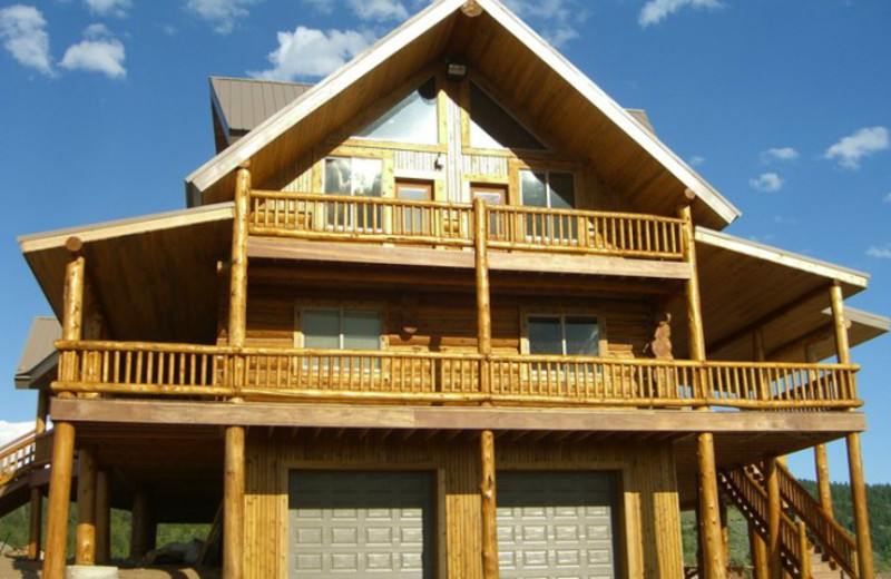 Exterior view at Rocky Mountain Elk Ranch.