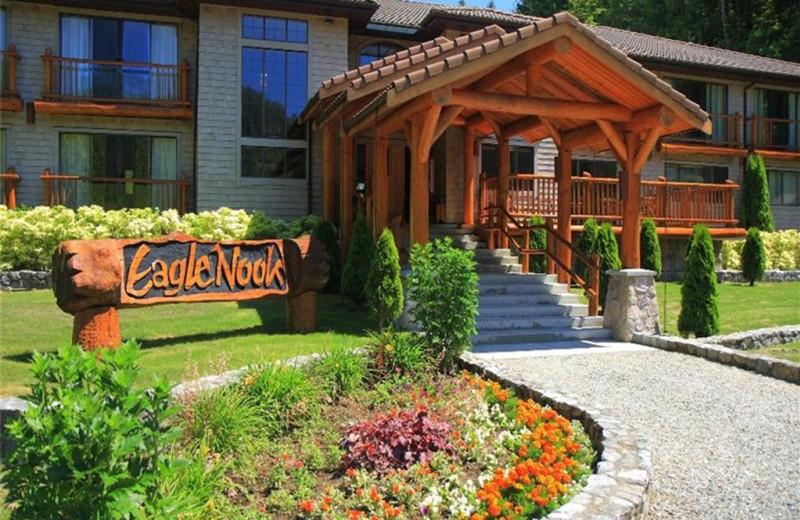 Resort entrance at Eagle Nook Wilderness Resort and Spa