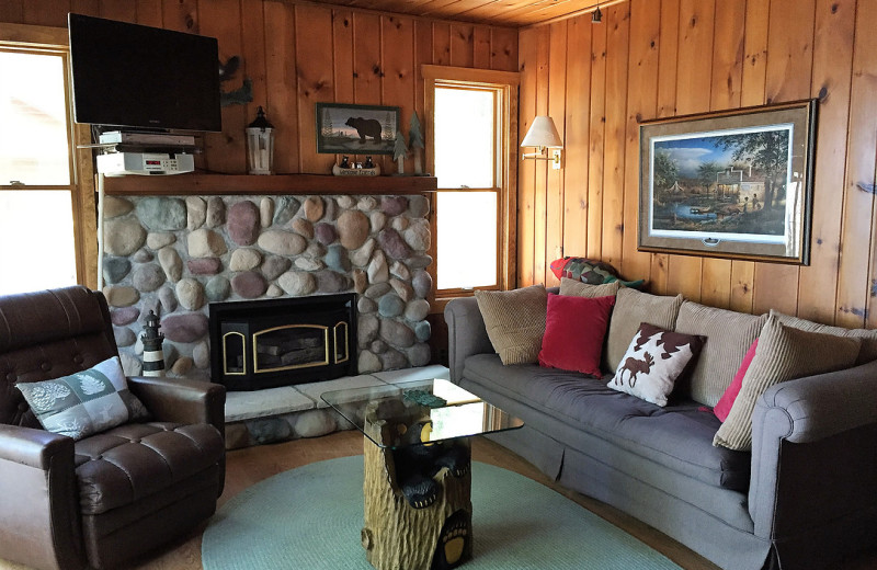 Cabin living room at Harv's Vacation Rentals.