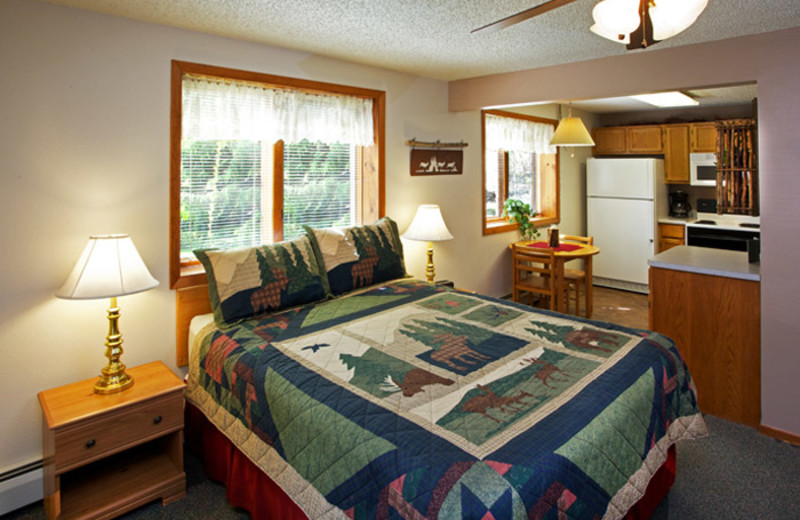 King room at Aspen Winds.