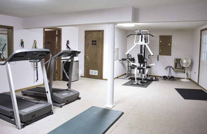 Exercise room, ice machine, laundry, wader room and dry/wet sauna