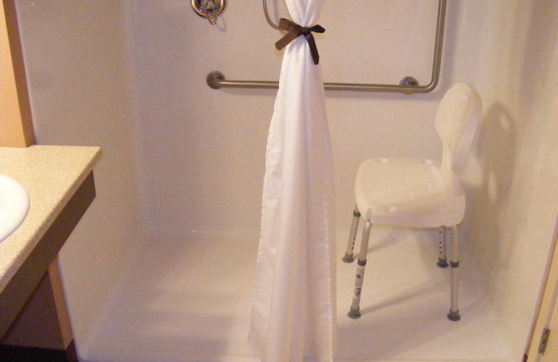 ADA guest bathroom at Honeymoon Bay Lodge & Retreat.