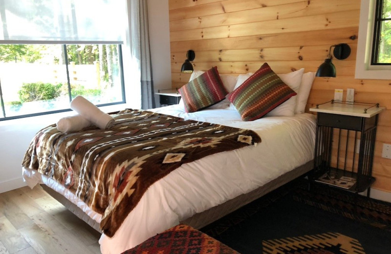 Guest room at Woodstock Lodge.
