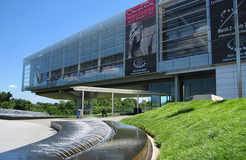Clinton Presidential Library near Red Apple Inn and Country Club.